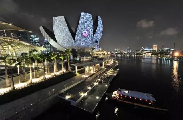 新加坡运用信息技术引领智慧未来